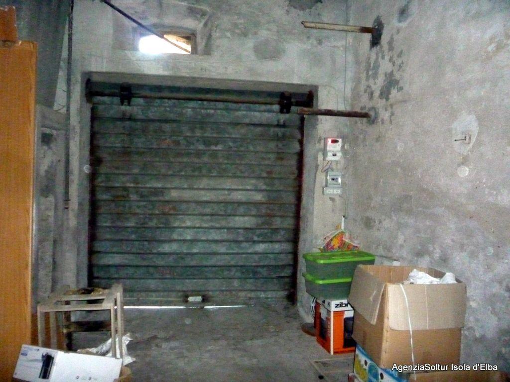 Appartamento centro storico con garage villen und for Garage 30x40 con appartamento