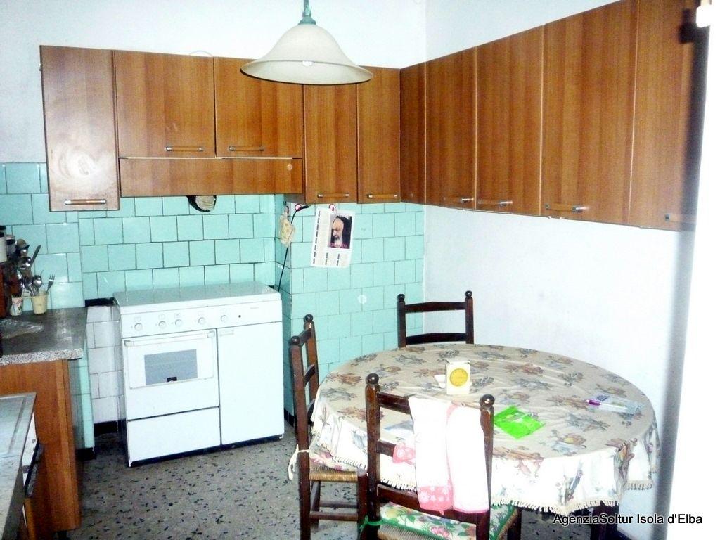 Appartamento centro storico con garage villen und for Log garage con appartamento