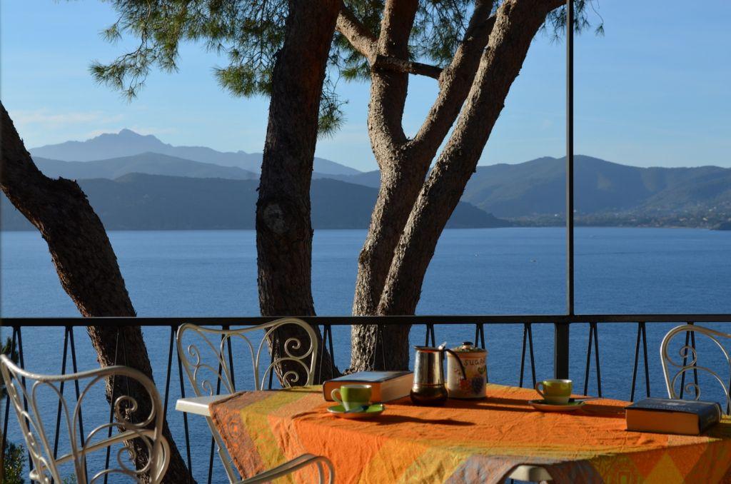 Villa ripa dei carrai 2 appartamenti e ville all 39 isola d for Affitti della cabina del fiume di blanco
